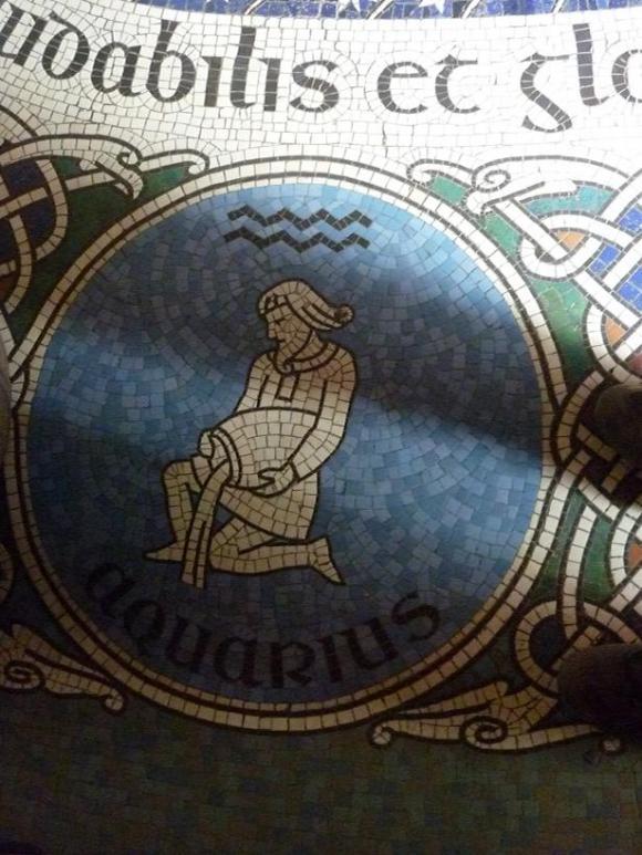 http://ephemeride.cowblog.fr/images/Verseau.jpg